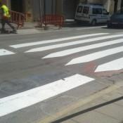 L'Ajuntament de Benicarló pinta els passos de vianants per error