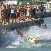 Democràcia Nacional proposa <i>els homosexuals a la mar</i> i <i>el moro embolat</i> com a activitats festives